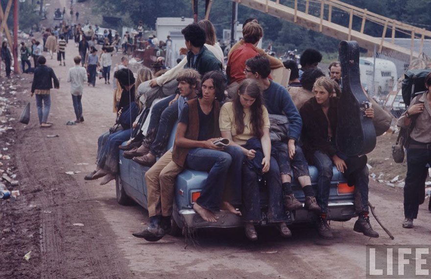 1969-woodstock-music-festival-hippies-bill-eppridge-john-dominis-17-57bc2fb686ea6__880